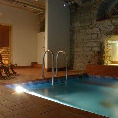 Отель 16eur - Fat Margaret's бассейн