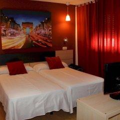 Отель Hostal Falfes комната для гостей