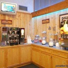 Отель Rodeway Inn Kingsville Кингсвилль гостиничный бар