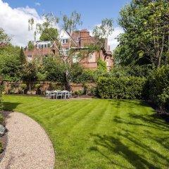 Отель Luxurious Hampstead Home with Gorgeous Garden фото 7
