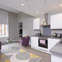 Апартаменты Destiny Scotland Apartments at Nelson Mandela Place в номере