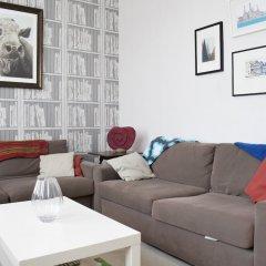 Отель 3 Bedroom Flat In Brixton Великобритания, Лондон - отзывы, цены и фото номеров - забронировать отель 3 Bedroom Flat In Brixton онлайн комната для гостей фото 4