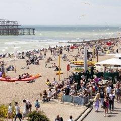 Отель Brighton Getaways - Panoramic Penthouse Великобритания, Хов - отзывы, цены и фото номеров - забронировать отель Brighton Getaways - Panoramic Penthouse онлайн пляж фото 2