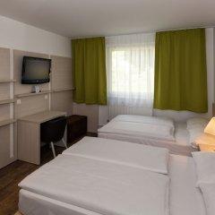 Отель Eurohotel Vienna Airport сейф в номере