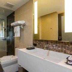Отель The Charm Resort Phuket ванная фото 2