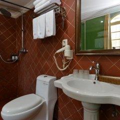 Отель Little White House Xiamen Gulangyu Китай, Сямынь - отзывы, цены и фото номеров - забронировать отель Little White House Xiamen Gulangyu онлайн ванная фото 2