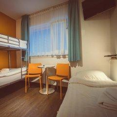Отель Tourist Inn Budget Hotel - Hostel Нидерланды, Амстердам - 1 отзыв об отеле, цены и фото номеров - забронировать отель Tourist Inn Budget Hotel - Hostel онлайн детские мероприятия фото 2