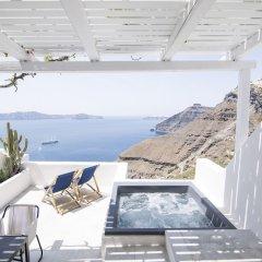 Отель Porto Fira Suites Греция, Остров Санторини - отзывы, цены и фото номеров - забронировать отель Porto Fira Suites онлайн бассейн