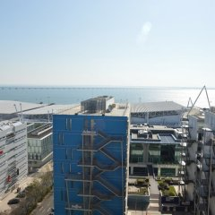 Апартаменты Duplex Apartment - 4 Bedrooms & Garage балкон