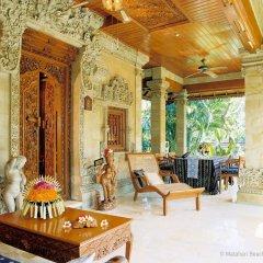 Отель Matahari Beach Resort & Spa интерьер отеля