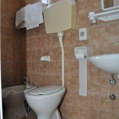 Отель Mondial Италия, Римини - отзывы, цены и фото номеров - забронировать отель Mondial онлайн ванная