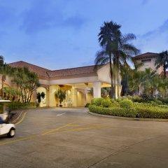 Отель Dongguan Hillview Golf Club парковка
