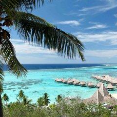 Отель Sofitel Moorea la Ora Beach Resort Французская Полинезия, Папеэте - 1 отзыв об отеле, цены и фото номеров - забронировать отель Sofitel Moorea la Ora Beach Resort онлайн пляж фото 2