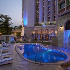 Отель The Royal Plaza Индия, Нью-Дели - отзывы, цены и фото номеров - забронировать отель The Royal Plaza онлайн бассейн