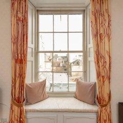 Апартаменты Silver Lining - Mile Apartments Эдинбург сейф в номере