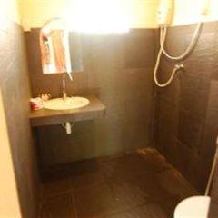Отель Nik'S Garden Resort Ланта ванная фото 2