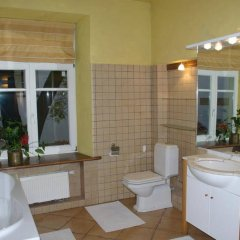 Отель Pilies Apartments Литва, Вильнюс - отзывы, цены и фото номеров - забронировать отель Pilies Apartments онлайн ванная
