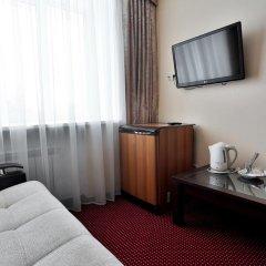 Гостиница Нефтяник в Тюмени 1 отзыв об отеле, цены и фото номеров - забронировать гостиницу Нефтяник онлайн Тюмень удобства в номере