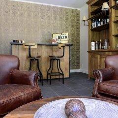 Отель B&B Hof Ter Beuke гостиничный бар