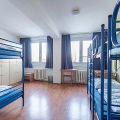 Отель a&o Dresden Hauptbahnhof 2* Кровать в общем номере с двухъярусной кроватью