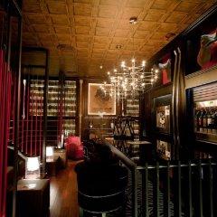 Отель Drake Longchamp Swiss Quality Hotel Швейцария, Женева - 5 отзывов об отеле, цены и фото номеров - забронировать отель Drake Longchamp Swiss Quality Hotel онлайн гостиничный бар