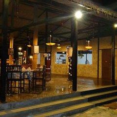 Отель Riverside @ Hsipaw Resort гостиничный бар