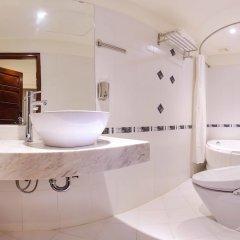 Отель Cherry Hotel 1 Вьетнам, Ханой - отзывы, цены и фото номеров - забронировать отель Cherry Hotel 1 онлайн ванная