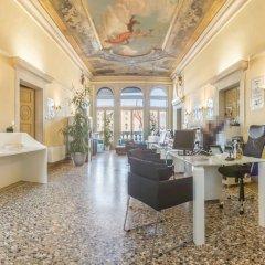 Отель Grifoni Boutique Hotel Италия, Венеция - отзывы, цены и фото номеров - забронировать отель Grifoni Boutique Hotel онлайн интерьер отеля