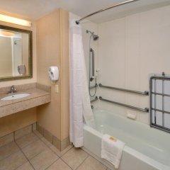 Отель Holiday Inn Raleigh Durham Airport ванная