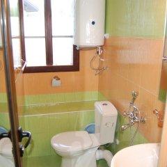 Отель Kazasovata Guest House Болгария, Трявна - отзывы, цены и фото номеров - забронировать отель Kazasovata Guest House онлайн ванная