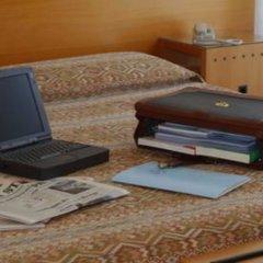 Отель St Gregory Park удобства в номере фото 2