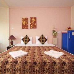 Отель Lucky Lek's Guesthouse комната для гостей