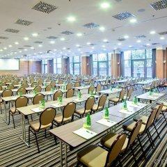 Отель Holiday Inn Krakow City Centre Польша, Краков - 4 отзыва об отеле, цены и фото номеров - забронировать отель Holiday Inn Krakow City Centre онлайн помещение для мероприятий фото 2