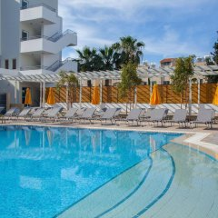 Отель Smartline Paphos бассейн фото 2