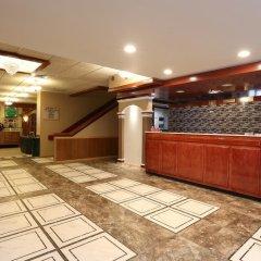 Отель Magnuson Grand Columbus North США, Колумбус - отзывы, цены и фото номеров - забронировать отель Magnuson Grand Columbus North онлайн интерьер отеля