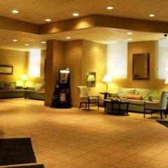 Отель Travelodge Calgary Macleod Trail Канада, Калгари - отзывы, цены и фото номеров - забронировать отель Travelodge Calgary Macleod Trail онлайн интерьер отеля фото 2