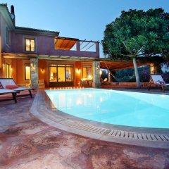 Отель Vouliagmeni Villa Греция, Вари-Вула-Вулиагмени - отзывы, цены и фото номеров - забронировать отель Vouliagmeni Villa онлайн бассейн фото 2