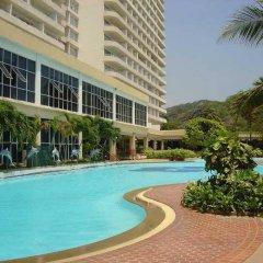 Отель Room No.170 at Milford Paradise бассейн