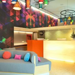 Отель Bizotel Bangkok Бангкок гостиничный бар