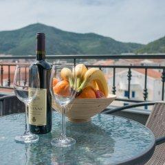 Отель in Budva Черногория, Будва - отзывы, цены и фото номеров - забронировать отель in Budva онлайн балкон