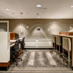 Отель DoubleTree by Hilton Hotel Toronto Downtown Канада, Торонто - отзывы, цены и фото номеров - забронировать отель DoubleTree by Hilton Hotel Toronto Downtown онлайн интерьер отеля фото 3