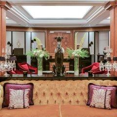 Отель Maison Astor Paris, Curio Collection by Hilton развлечения