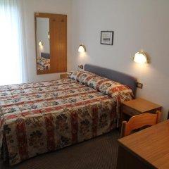 Hotel Garni Roberta Рокка Пьеторе сейф в номере