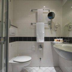 Отель IntercityHotel Düsseldorf ванная фото 2