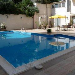 Отель Amarilia Hotel Греция, Афины - 1 отзыв об отеле, цены и фото номеров - забронировать отель Amarilia Hotel онлайн бассейн фото 2