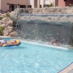 Отель Avanti Holiday Village бассейн