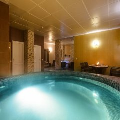 Гостиница Мартон Стачки бассейн