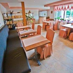 Отель Amfora Болгария, Св. Константин и Елена - 1 отзыв об отеле, цены и фото номеров - забронировать отель Amfora онлайн гостиничный бар
