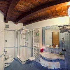 Отель Albergo Antica Corte Marchesini Италия, Кампанья-Лупия - 1 отзыв об отеле, цены и фото номеров - забронировать отель Albergo Antica Corte Marchesini онлайн ванная фото 2