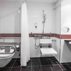 Отель Holiday Inn Munich - Westpark Мюнхен ванная
